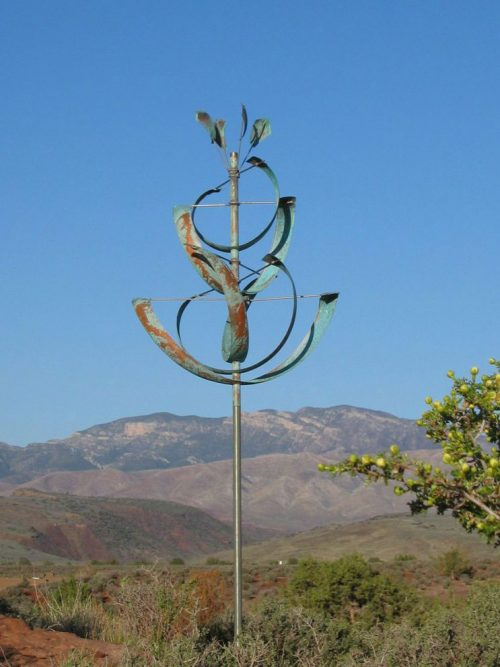 Desert Lily wind Sculpture handcrafted by Lyman Whitaker.