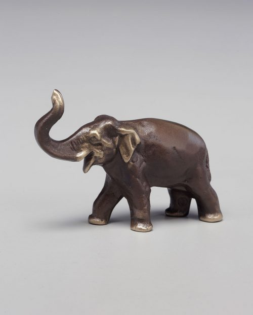 Bronze elephant sculpture handcrafted by Scott Nelles.