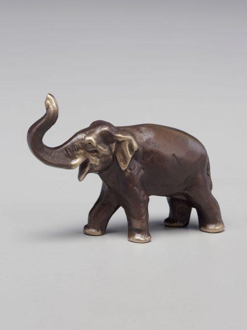 Bronze elephant sculpture handcrafted by Scott Nelles.
