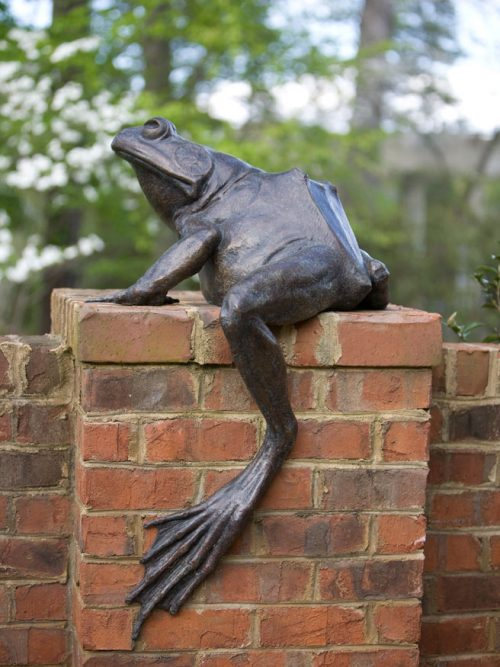 Jeremiah frog sculpture in bronze by North Carolina artist Roger Martin.