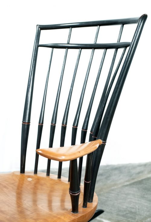 Windsor chair bench by woodworker Eric Cannizzaro.